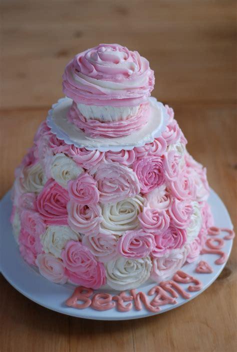sweet girls st birthday cake love  roses birthday party ideas pinterest smash cakes