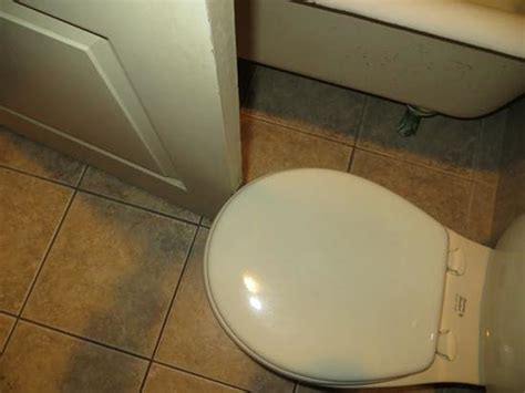 Not Enough Clearance Between Bathroom Door And Toilet Must Shower Door Clearance