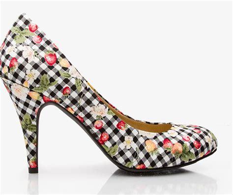 floral pattern heels floral gingham pumps 9 gorgeous floral patterned heels for