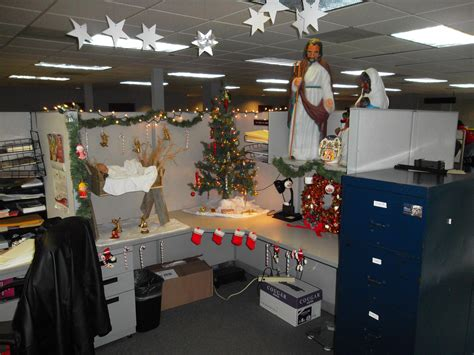 cubicle holiday decorating contest themes cubicle decorating contest