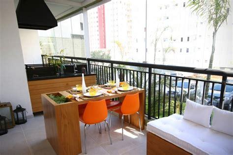 terrasse mit geländer balkon ideen metall gel 195 164 nder sitzgruppe gartengrill