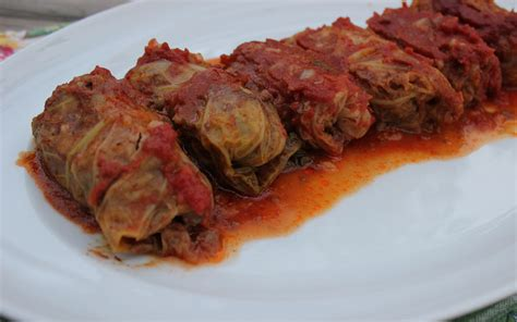 cabbage rolls crockpot