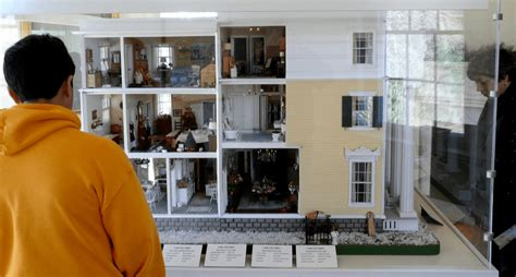 large doll houses the large dollhouse dollhouse decorating