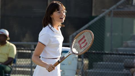 emma stone gained 15 pounds of muscle to play a tennis battle of the sexes how emma stone gained 15 pounds of