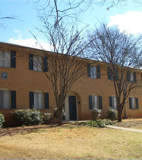 Apartment Homes In Atlanta Ga Manor Glenn Apartment Homes Rentals Atlanta Ga
