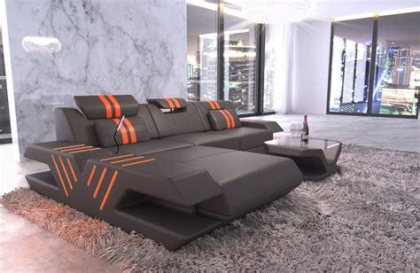 sofa mit ottomane leder ledersofa venedig in l form mit ottomane und beleuchtung