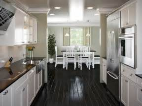 How To Design A Galley Kitchen by 25 Best Ideas About Galley Kitchen Layouts On Pinterest