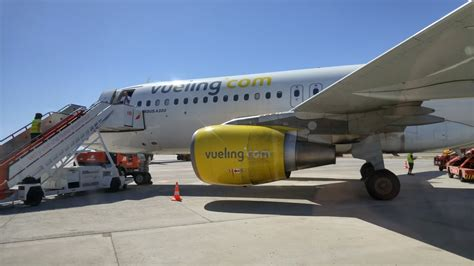 vueling cabin baggage vueling 34 photos 67 reviews airlines plaza de l