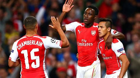 alexis sanchez volleyball welbeck hits first hat trick in arsenal romp chions