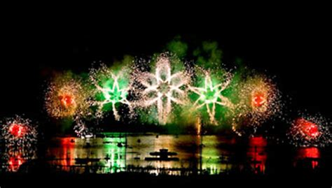Butchart Gardens Fireworks by Summer Fireworks On Saturday Nights Bc The