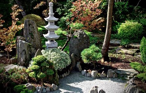 create  relaxing zen space   backyard