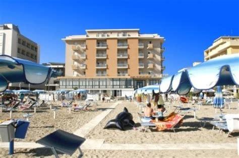 hotel piccolo fiore igea marina hotel globus bewertungen fotos preisvergleich
