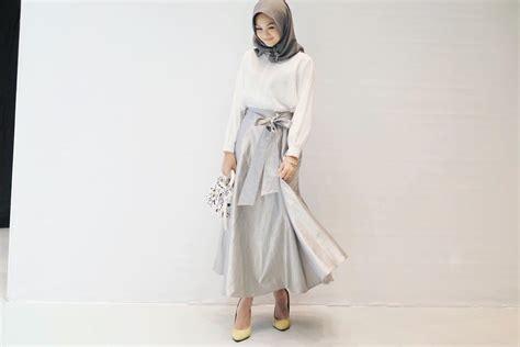 Atasan Wanita Semi Dress Sherin Sw Kemeja Wanita Denim Biru Mu intip gaya indah nada puspita til putih bersih