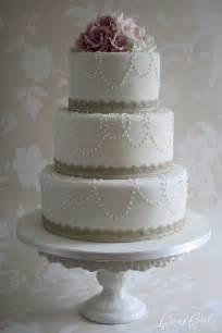 wedding cake simple simple elegance wedding cakes juxtapost