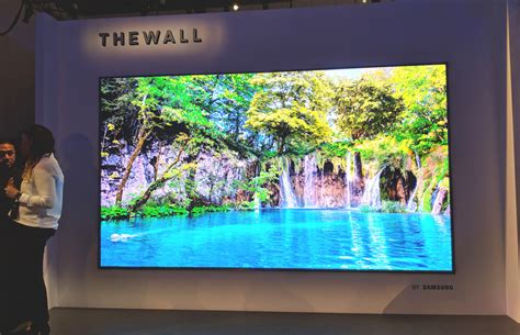 samsung wall tv samsung reveals the wall a 146 inch wall