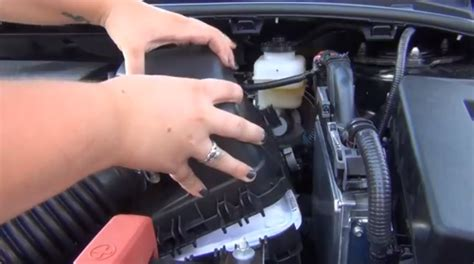 How Many Quarts Of Does A Toyota Corolla Take How To Change Your Toyota Prius 2014 Autos Post