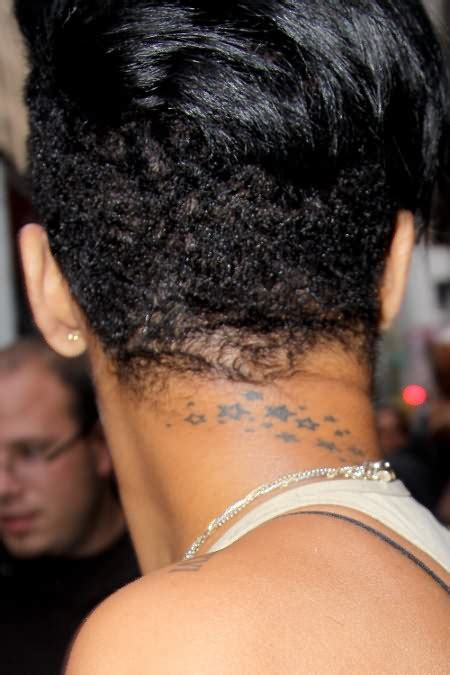 rihanna back tattoo rihanna showing