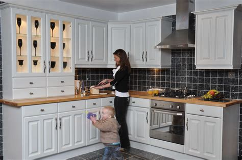 sle kitchen design kitchens peeblesshire cheap kitchens peeblesshire
