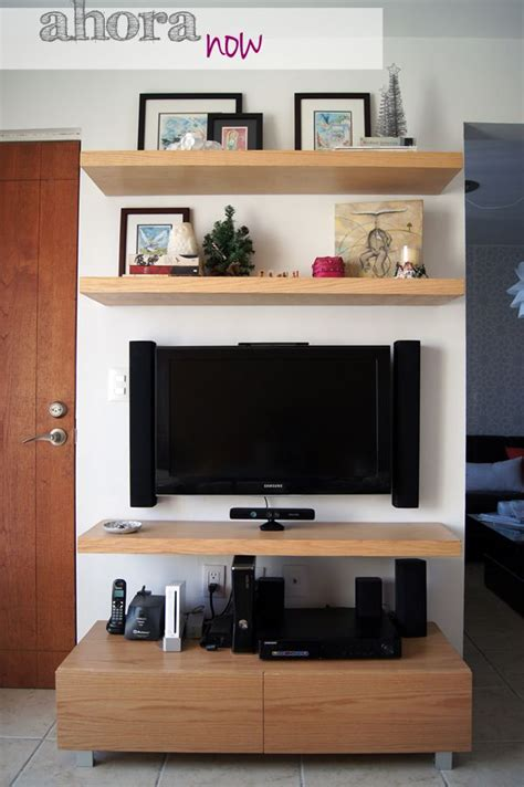 Small Tv Shelf by Best 25 Small Tv Rooms Ideas On