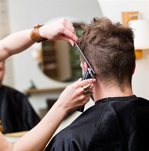 men hair salon get up to 75 discount at vip moon unisex salon spa