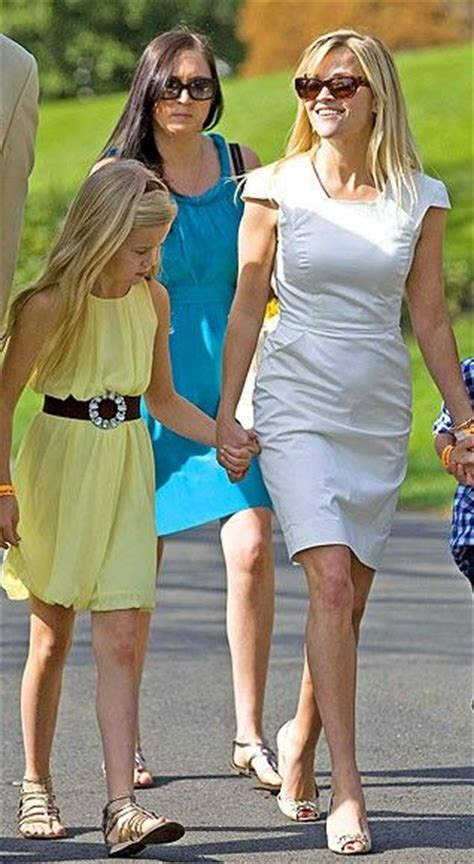 Reese Witherspoon Goes For An Egghunt by Pin By Stiletto On Look Of The Day