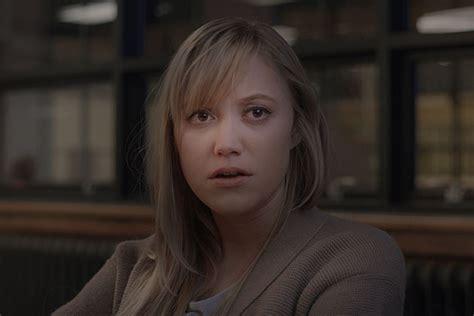 film the guest adalah review it follows 2015 review luthfi