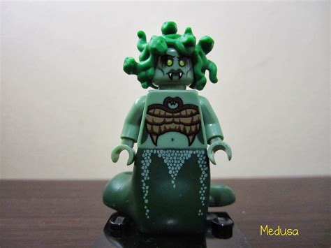 Lego Mini Figure Series 10 Medusa lego minifigures series 10 review part 1