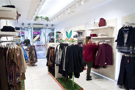 decoracion de tiendas de ropa modernas decoracin tiendas tienda moderna with decoracin