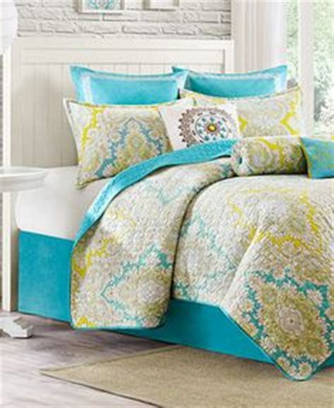 Colorful Quilts And Coverlets Colorful Bedding On Comforter Sets Bedding