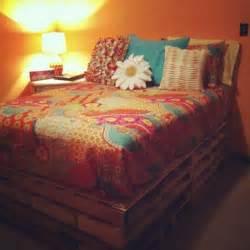 Diy Paint Wood Bed Frame Diy 20 Pallet Bed Frame Ideas 99 Pallets