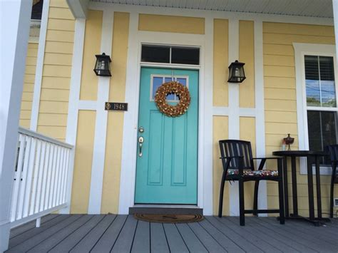 yellow house with door 25 best ideas about yellow house exterior on