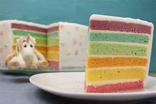 kuchen rezepte mit fondant regenbogentorte backen regenbogenkuchen rezept mit