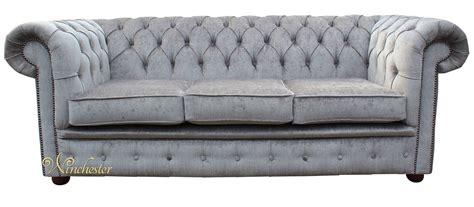 grey velvet chesterfield sofa chesterfield 3 seater settee perla illusions grey velvet