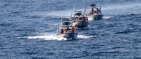 navy small boats 7 iranian boats harass navy ship in gulf abc news