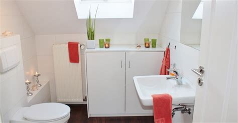 Discount Bathrooms How To Make The Most Of A Small Bathroom Ross S Discount