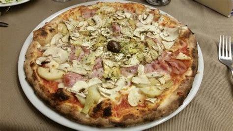 gusti pizza fatta in casa pizza 4 gusti foto di il gattopardo alcamo tripadvisor