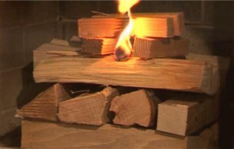 accensione camino accendere il fuoco di camino o stufa dall alto per