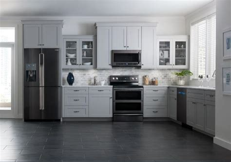 black appliance kitchen samsung brings black stainless steel finish to kitchen