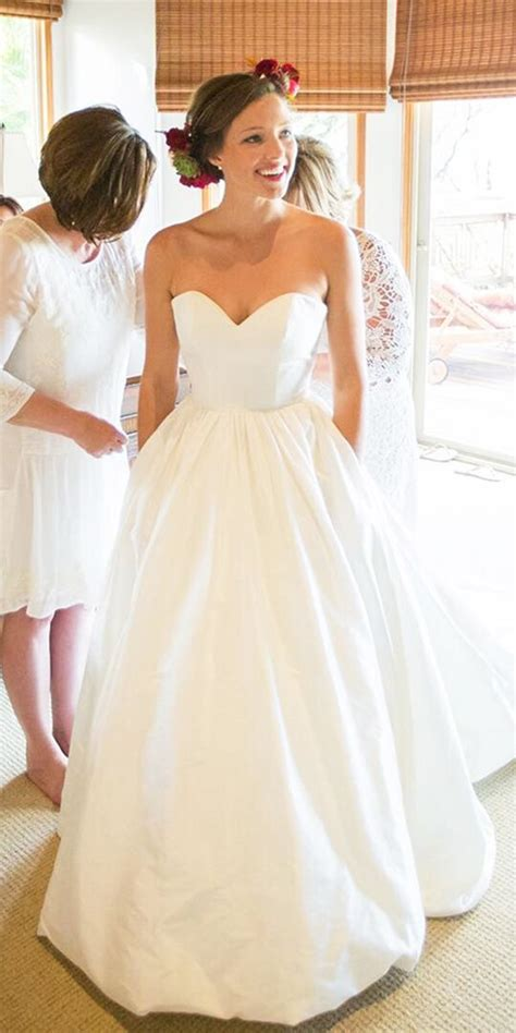 Satin Wedding Dresses by The 25 Best Satin Wedding Gowns Ideas On