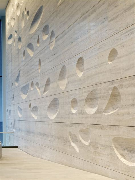 travertine wall sculpted travertine wall by kohn pedersen fox 187 retail design