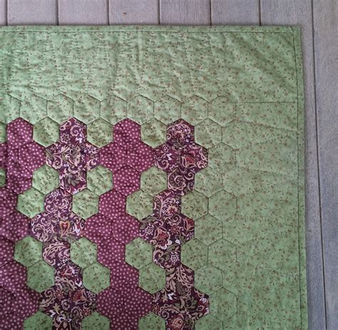 Adding Borders To Quilts by Adding A Border To A Hexagon Quilt Hexy