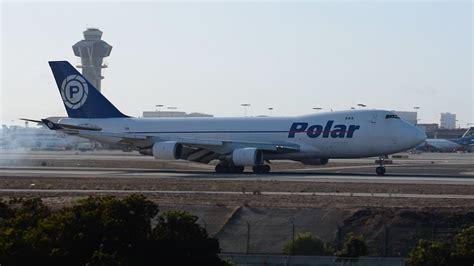 polar air cargo boeing 747 400f n450pa landing at lax