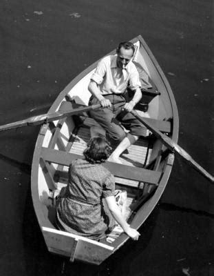 kees roeiboot kees scherer man en vrouw in roeiboot ksnl 203