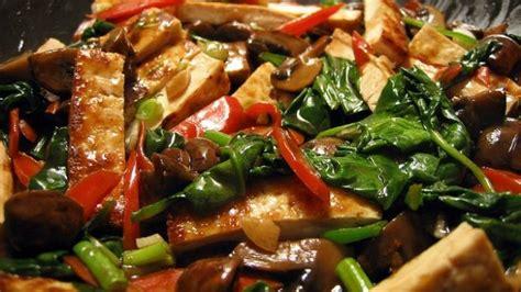 cucinare il tofu come cucinare il tofu piccante con verdure deabyday tv