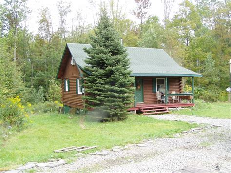 Cottage Country Rentals by Charming Country Cottage Located On Homeaway Lake Como