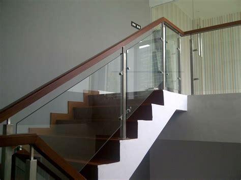 Railing Kaca railing tangga kaca kombinasi stainless steel railing