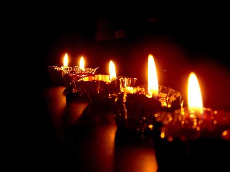 imagenes de velas rojas encendidas velas a gotas de luz