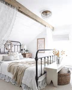 farmhouse style bedroom 1000 ideas about farmhouse style bedrooms on pinterest bedroom makeovers neutral bedding and