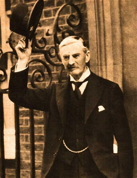 Neville Chamberlain a prime minister calls it quits chamberlain resigns