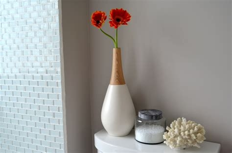 Bathroom Vase by Curbly House Our Bathroom Reveal 187 Curbly Diy Design